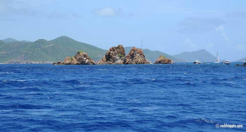 norman-island-snorkeling-day-trip-stjohn